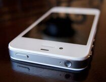 Смартфон Apple iPhone 4S 16Gb white
